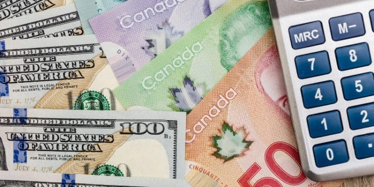 USD/CAD Hovers at 3-Year Lows as Gold Struggles for Direction